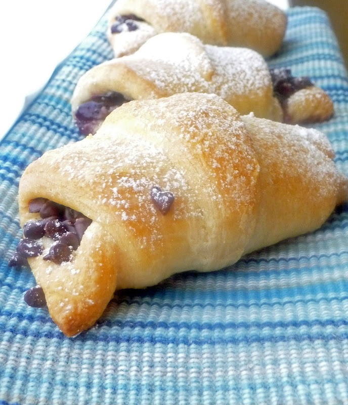 Chocolate Filled Crescents #Pillsbury #makernation