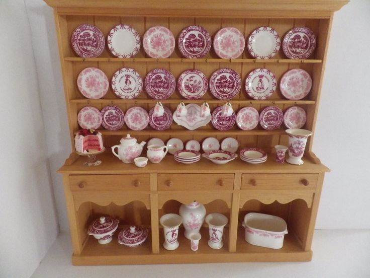 Stokesay, Jane Newman and english kitchen. Red Dresser