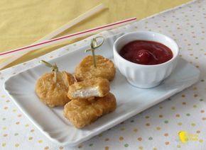 Nuggets di pollo (ricetta crocchette di pollo). Ricetta dei chicken mc nuggets fatti in casa, pepite di pollo panato fritto, fingerfood anche senza glutine