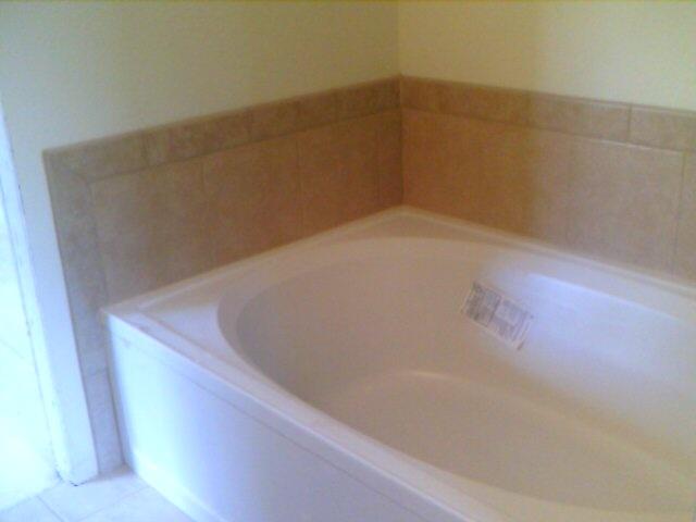 1000 Images About Bathtub Tile Surrounds On Pinterest