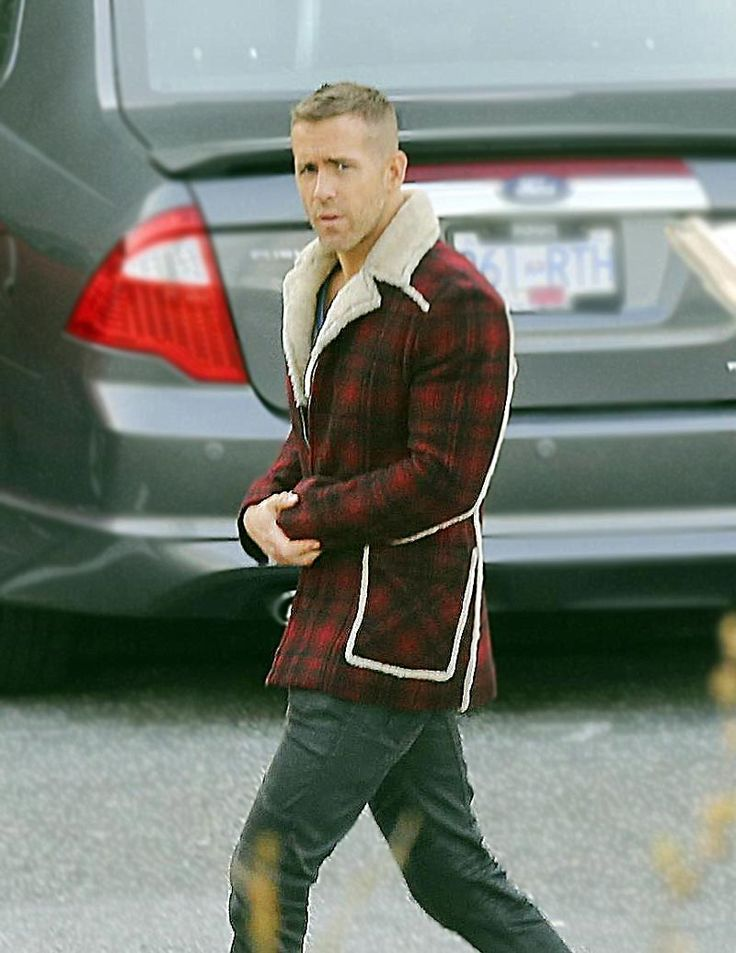 This amazing checked Shearling Detailed jacket of Deadpool movie that is worn by Ryan Reynolds and Morena Baccarin is now available. Shop at best price.
