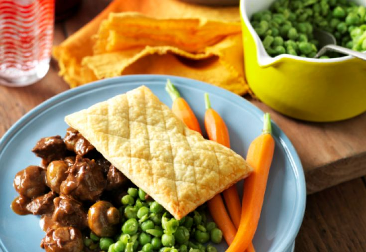 This recipe for Steak and Stout Pies with Smashed Peas is a tasty twist on an Aussie classic and only 12 SmartPoints value per serve.