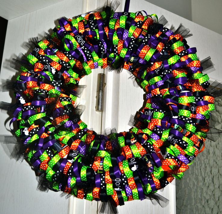 Trick or Treat Halloween Wreath by LDKhomedesigns on Etsy https://www.etsy.com/listing/80322229/trick-or-treat-halloween-wreath