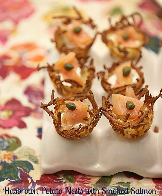 Hashbrown Potato Nests with Smoked Salmon www.fooddonelight.com #healthyappetizer #lowcalorieappetizer