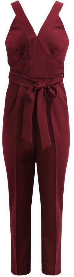 Pin for Later: Die 45 schönsten Kleider (& 5 coole Jumpsuits) für den besten Abiball aller Zeiten  Miss Selfridge Petite weinroter Jumpsuit zum Binden (65 €)