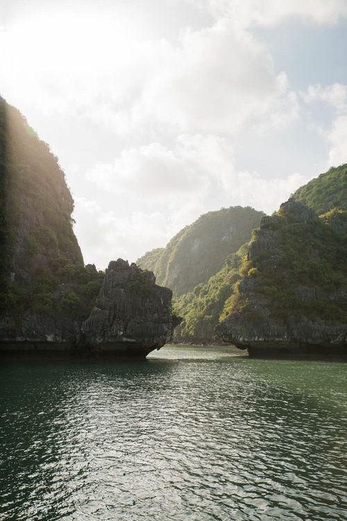 Ha Long Bay, Vietnam / Jennifer Chong