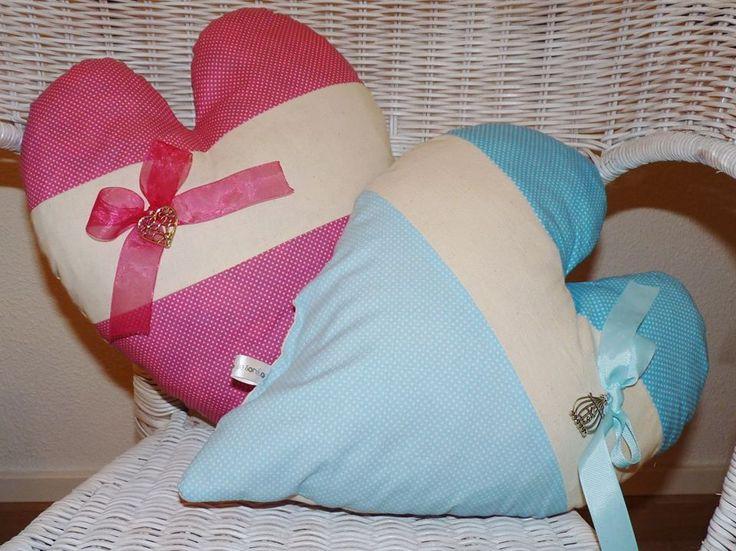 Almofadas coração em tecidos de encantar. Um Sonho para qualquer lar.
