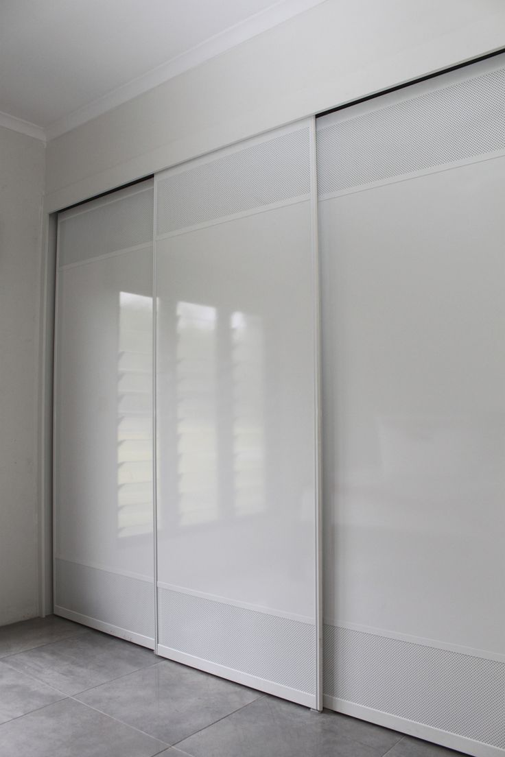 White Troppo Sliding Doors with White Mesh