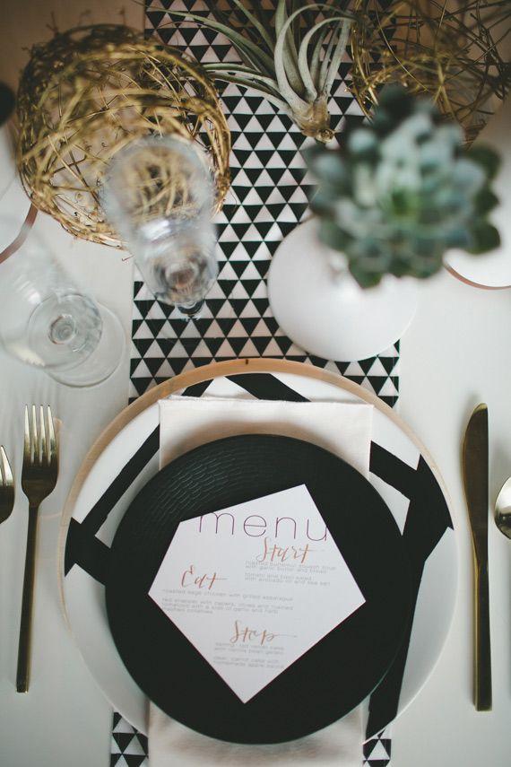 Rustic black & white wedding inspiration (via Bloglovin.com )