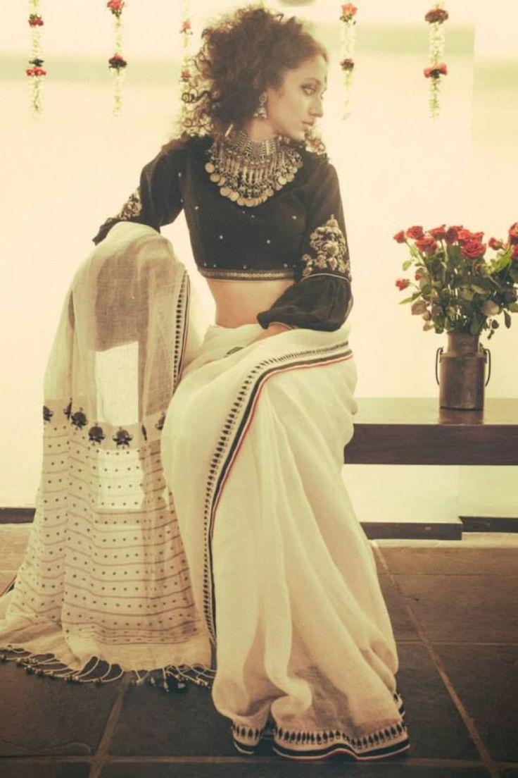 #Beautiful traditional Binodini #Saree, & Blouse by Dhruv Singh, #Ahmedabad https://www.facebook.com/pages/Dhruv-Singh/306327572789839 - photo by devansh jhaveri