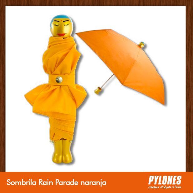 #Sombrilla Rain Parade naranja @pylonesco Pylones Colombia #navidad #regalos #pylones #noviembre — en Colombia.