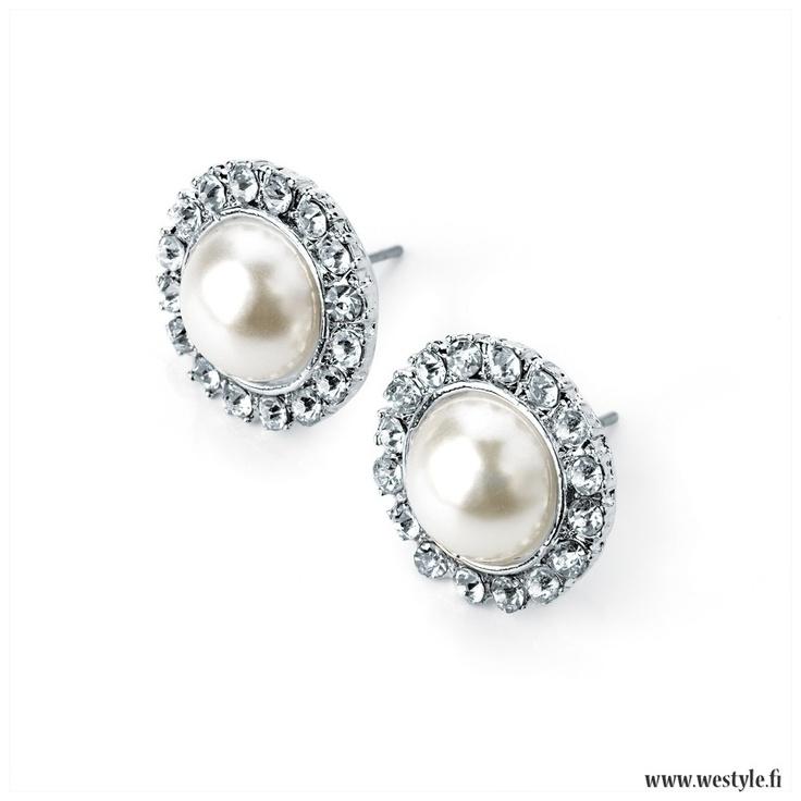 Classy and beautiful earrings - www.westyle.fi