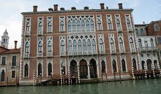 "luxury and design hotel in the heart of Venice, with a direct access on ""Canal Grande"""