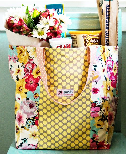 Market bag sewing pattern: Rather than put your gift in a basket, you could customize this market bag to carry your gifty treats and surprises. Would be fun to make holiday versions to carry gifts to family.