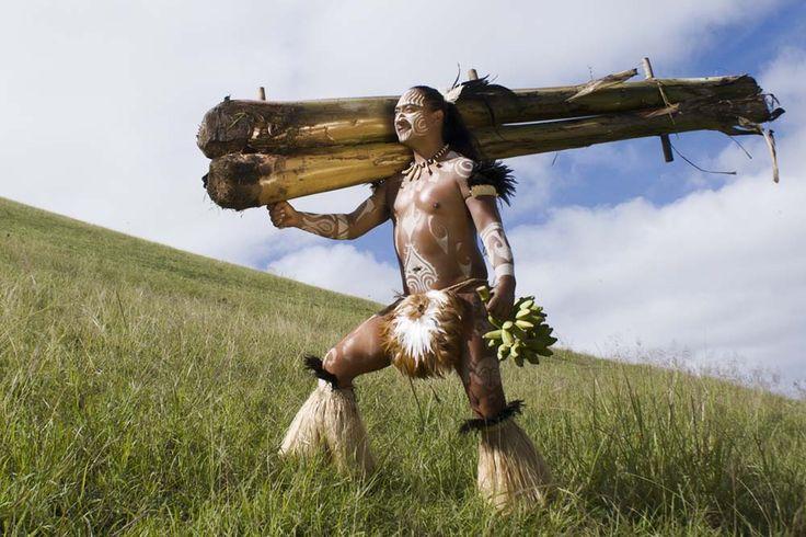 Calendario Rapa Nui hace relinchar a las fanáticas de los pascuenses | Cuatro Letras