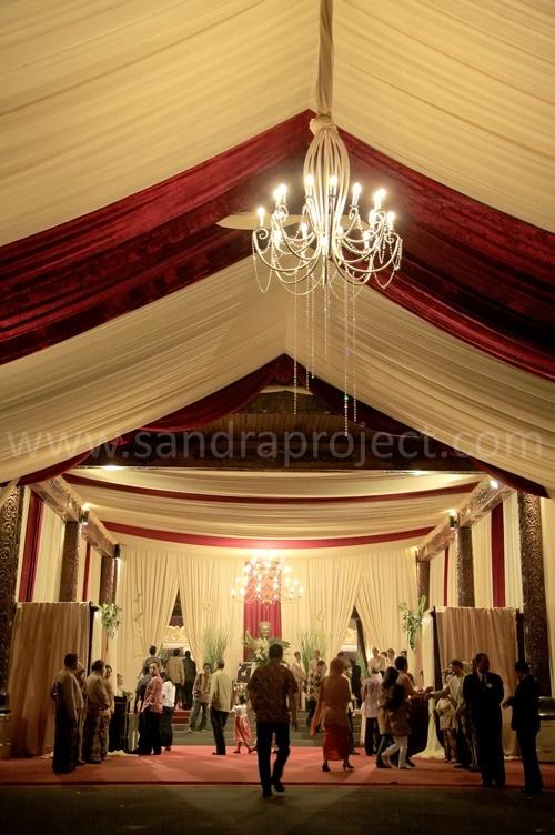 Lobby Sasono Utomo Taman Mini Indonesia Indah digunakan untuk menyambut tamu. http://bit.ly/zpAvcx