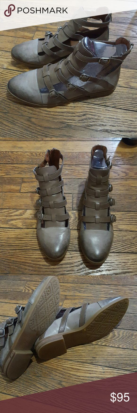 ⤵⤵NWT lucky Brand hotcha leather gladiator flat These are flats that have strap up around ankle to give it almost a bootie look. New with tags (do not have box). Straps are adjustable and there is a zip back. These are a light brown taupe color  CLOSET CLEAROUT PRICE IS FIRM Lucky Brand Shoes