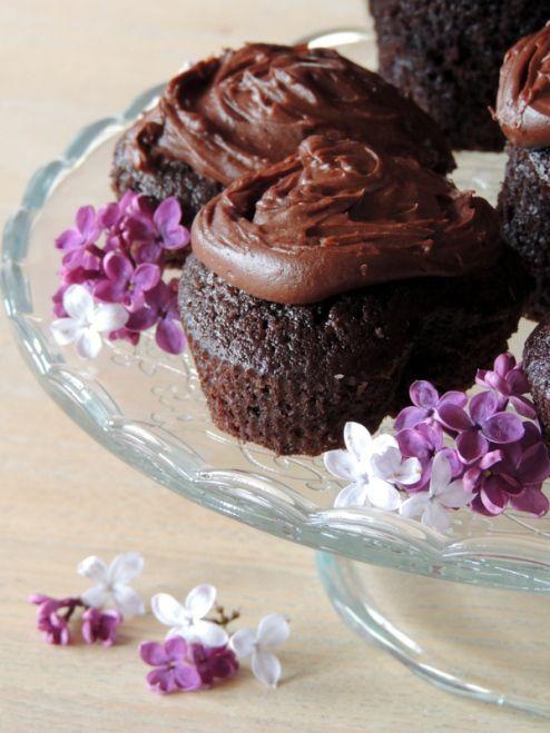 Chokolademuffins med Philadelphia/chokolade topping  ca 12 stk: