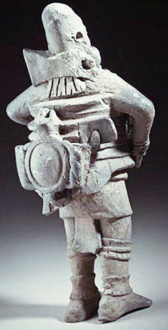 Antigua estatua de una persona que llevaba un traje de alta tecnología. ¿QUIÉN HIZO ESTO? #oopart