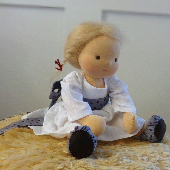 """VERKOOP - Waldorf pop 13"""", blond haar, bruine ogen, alle natuurlijke, handgemaakte, mohair"""