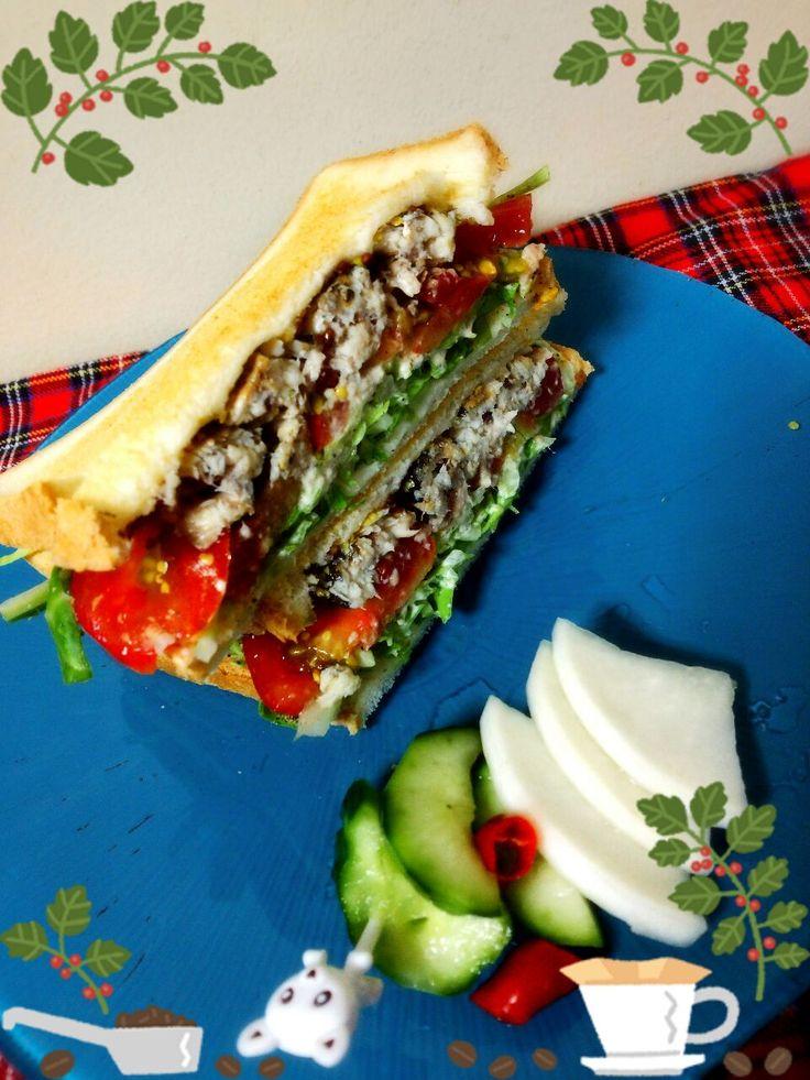 Yumi103's dish photo ONI MAMA ちゃんのオイルサーディン風を使った 朝サンド | http://snapdish.co #SnapDish #レシピ #ダイエット料理グランプリ2016 #簡単料理 #朝ご飯 #サンドイッチ