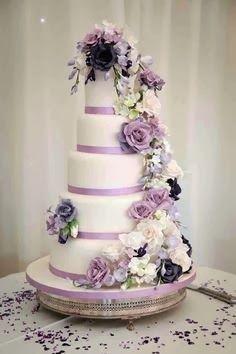 Pretty & Simple Wedding Cake Designs 2014 #wedding #cake #2014