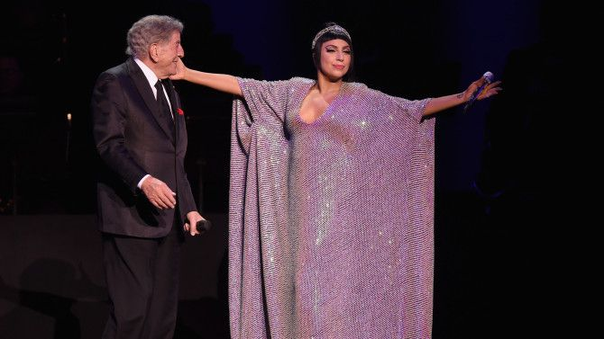 Lady Gaga, Tony Bennett Make Perfect Dance Partners as 'Cheek to Cheek' Tour Rings in New Year