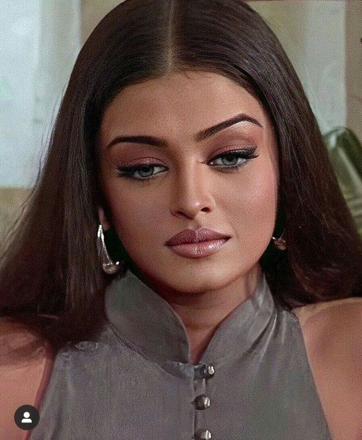 Aishwarya Rai In An Old Interview Bollywood Makeup Aishwarya Rai Makeup Celebs Without Makeup