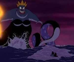 El momento de la llegada de Ariel en 'La sirenita' (1989) a la cueva de Úrsula e... - Copyright © 2016 Hearst Magazines, S.L.
