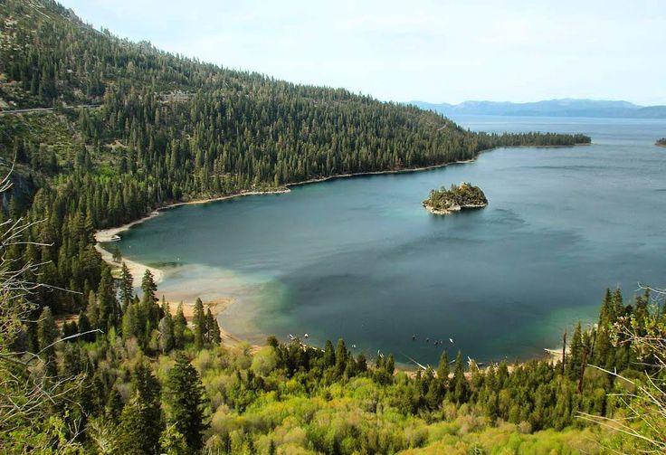 Quem aqui também ama trekking caiaque road trip natureza vinho e lugares românticos? A nossa dica do dia vai para o Lake Tahoe um destino incrível para ser visitado tanto no verão quanto no inverno!  #laketahoe #california #nevada #usa #estadosunidos #pegadasnaestrada #missaovt #viajar #aquelasuaviagem #aprendizdeviajante #revistaadv #melhoresdestinos #trip #traveling #liveoutdoors #viajenaviagem #landscape #natgeotravel #awesome #dicasdeviagem #love #turistando #instatravel #maiorviagem…