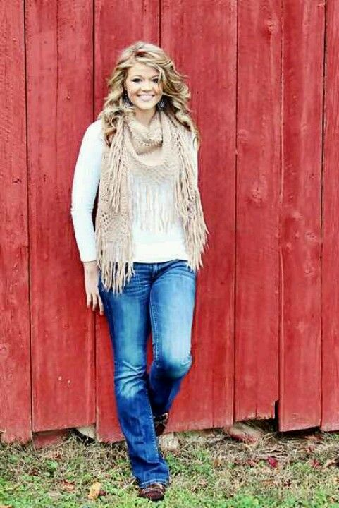 senior pictures-I know a red barn