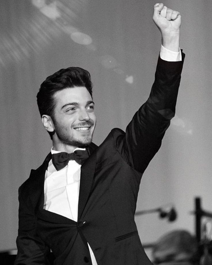 Grazie Verona per averci fatto vivere due serate magiche ed indimenticabili in Arena! Questo sorriso è per voi!   Prossimo concerto➡️ London at the Royal Albert Hall! #ilvolo #nottemagicatour