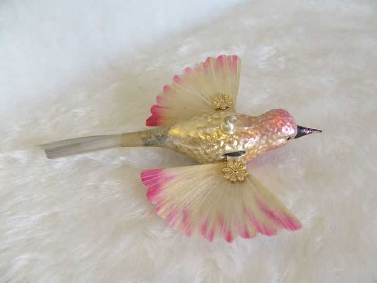 ANTIQUE GLASS GERMAN CHRISTMAS ORNAMENT HUMMINGBIRD DRESDEN SPUN GLASS WING BIRD