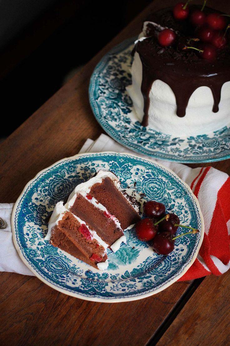 RECETTE Forêt Noire généreuse façon layer cake #foretnoire #chocolat #cerise #layercake #chocolate #cherry #kirsch #photography #food #foodphotography