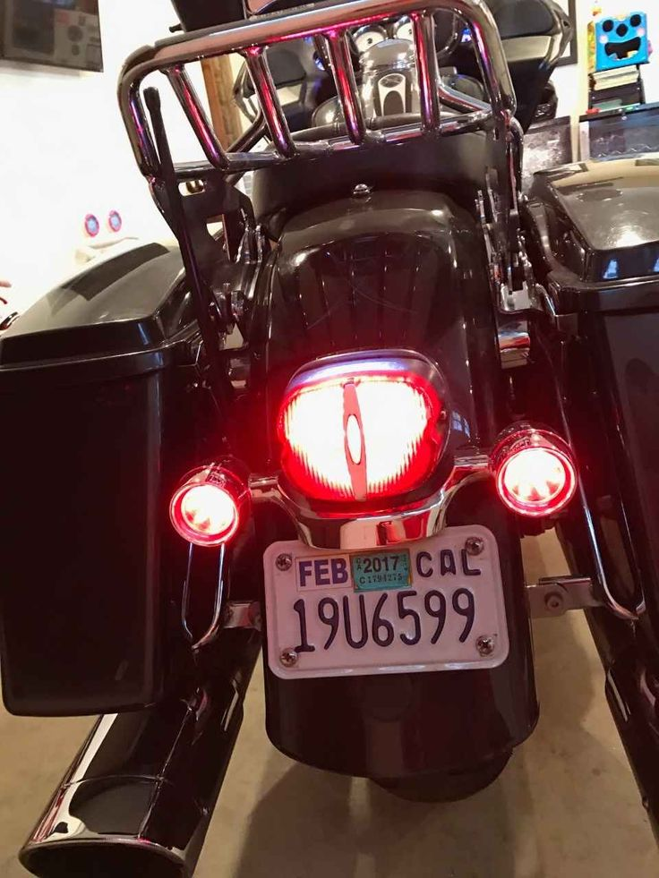 Used 2009 Harley-Davidson ROAD GLIDE Motorcycles For Sale in California,CA. 09 road glide for sale. 55k miles, pretty much all highway. Many extras including upgraded performance cam, tuning kit, Vance & Hines super oval exhaust and custom black/polished 19 inch wheels. Inner fairing is a little faded from sunlight and there's a small amount of paint damage on the rear fender otherwise bike looks and runs great.