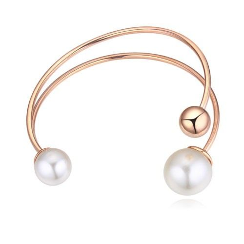 $10,31 Exclusive pearl bangle - Yohanna Jewelry Wholesale. BEST PRICE: Directly in the jewelry factory. VAT-free shopping: Available, partners based in the European Union, only applies to EU tax identification number (UID). Exclusive design SWAROVSKI crystals and AAA Zircon crystal jewelry and men's stainless steel jewelry and high-quality stainless steel jewelry for couples sell in bulk to resellers! Please contact us.