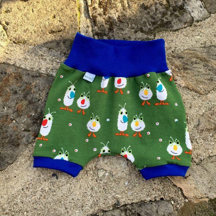 """dětské kraťásky ... jako KŘEMÍLEK A VOCHOMŮRKA dětské letní úpletového krátké kalhoty - kraťásky *volnější střih bez problémů pojme plenku, měkký materiál - dovozový bavlněný úplet, příjemný na nošení  kraťásky ve velikostech """"KLASIK"""" a """"SLIM""""  ... prosím měřte, míry v ..."""