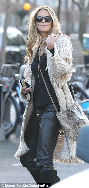 Pretty sure this is Heidi:) She rocks every kind and style of clothes she wears! Great fall/winter look)