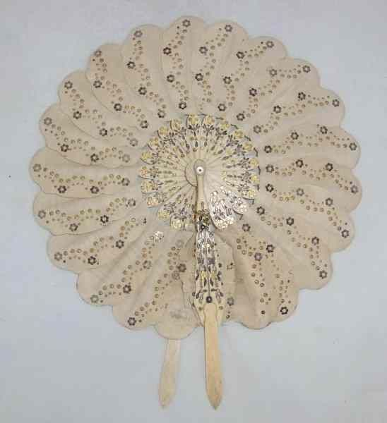 Victorian silk and bone cockade fan with extending handles