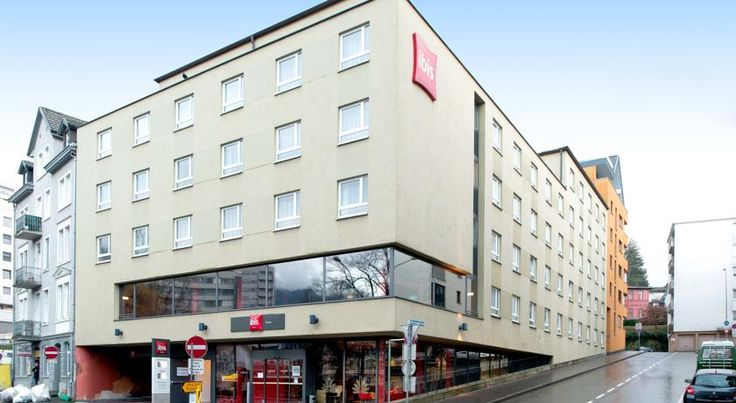 Hotel Ibis Bregenz Bregenz The Ibis Bregenz is ideally located next to the main train station, only a 5-minute walk from the city centre, Lake Constance, the Bregenz Festival and the Festival Hall.  The modern and spacious rooms offer comfortable beds and functional bathrooms.