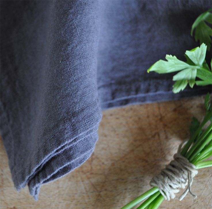 Servetten in gewassen linnen, kleur Prune.