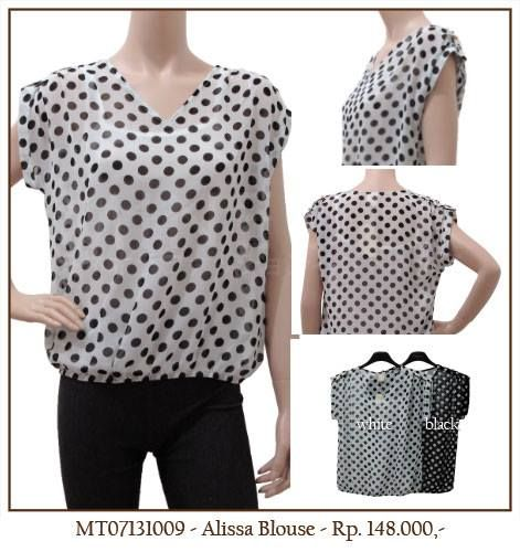 MINEOLA Alissa Polkadot Blouse White with inner. Also available in black color. Only Rp.148.000,- Bust: 106cm - Length: 62cm. Fabrics: chiffon. Product code: MT09131009  #MINEOLA #myMINEOLA #iWearMINEOLA #Fashion #OnlineShop #Indonesia #Jakarta #Brand #Import #Dress #Blouse #Top #Pants #Skirt #TokoBajuOnline #BajuImport #IndonesiaOnlineShop #OnlineShopIndonesia #FashionOnlineShop