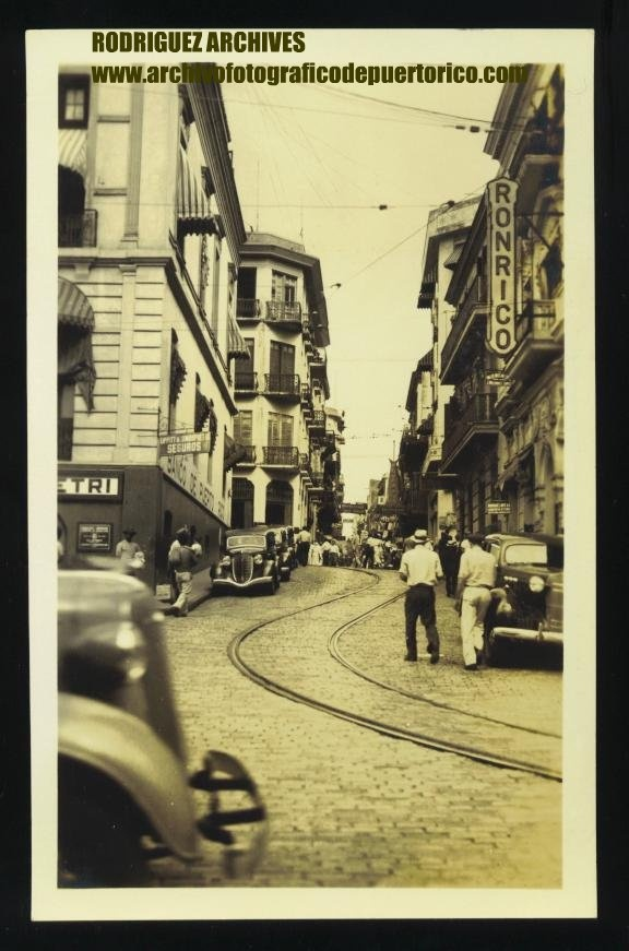 SAN JUAN, P. R. RPPC - Street Scene circa 1930's. Banco de Puerto Rico on the left.
