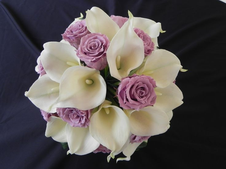 Preserved roses and real touch callas, design by www.lastinglove.ca