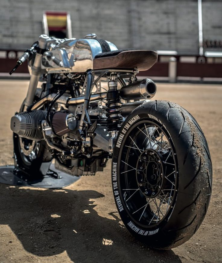 Revival of the Machine BMW R100RS