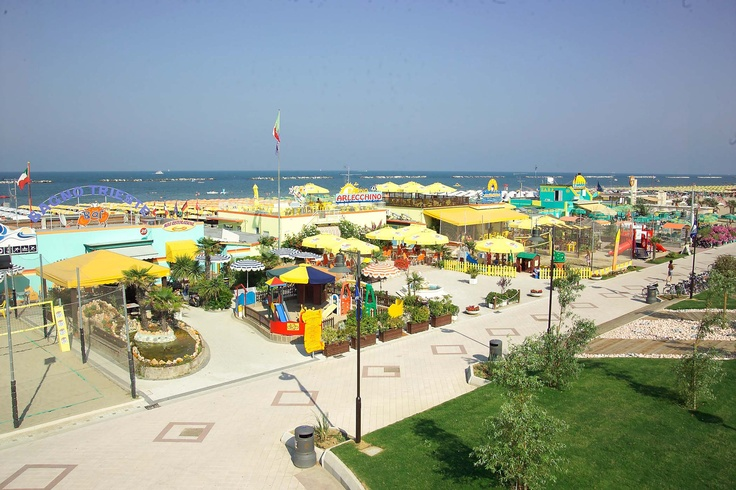http://www.ellastudio.it/public/photos/Cesenatico_Bellavita_-_Spiagge_2.jpg