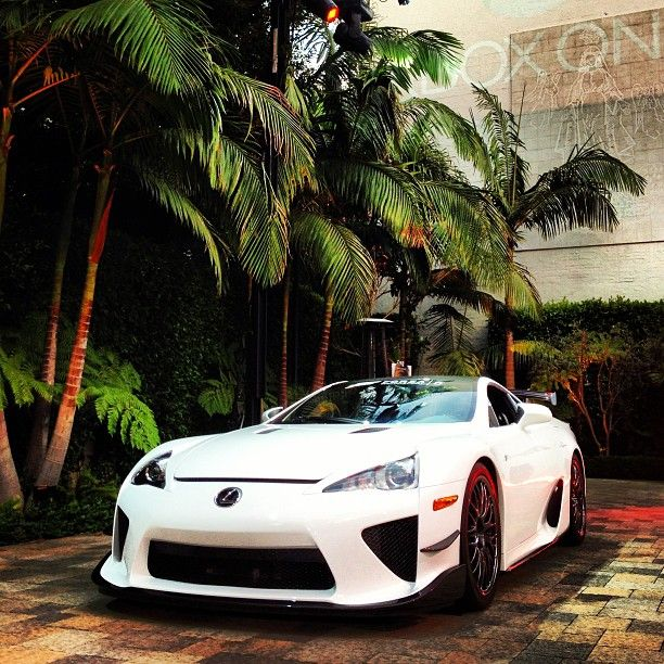 Rapid Sleek and Simply Divine- Lexus LFA!