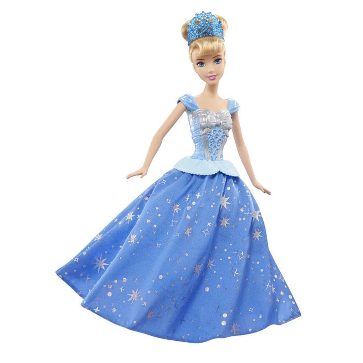 Faceti o impresie regala si stralucitoare alaturi de printesa Disney papusa Cenusareasasi pirueta - inspirata din momentul special al filmului in care aceasta se transforma de la o simpla rochie de casa la o adevarata rochie emblematica de bal!