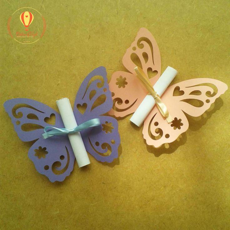 Convite com borboleta recortada. Verifique a disponibilidade de cores. Desenvolvemos qualquer tema. Feito em papel 180gr.