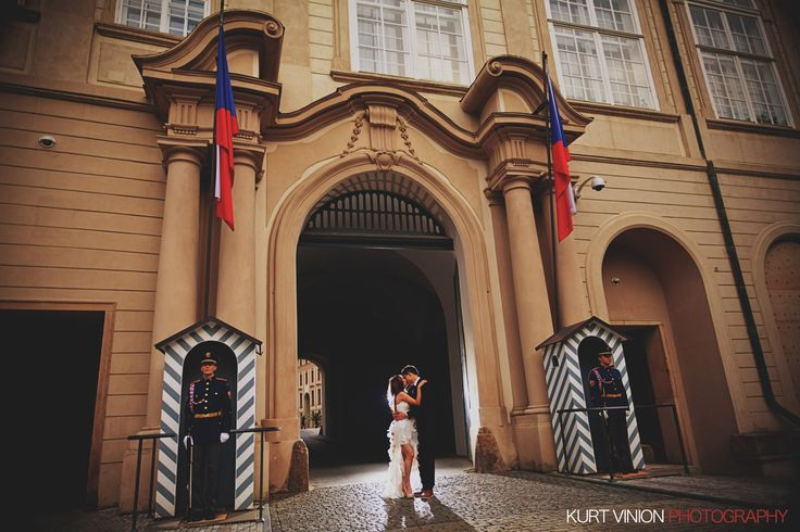Prague pre weddings / Prague Castle portraits with Coco & Leung (HK)